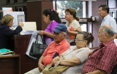 Otorgan pensión alimentaria a 192.587 adultos mayores al cierre de mayo