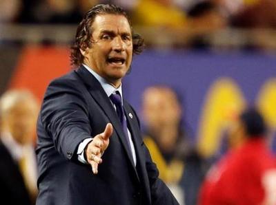 Juan Antonio Pizzi elogia a su equipo