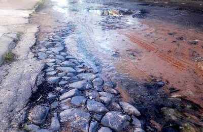 Calles en mal estado afectan a lambareños