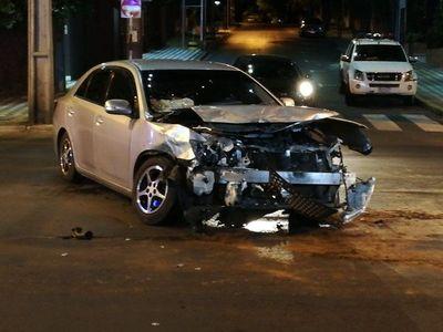 Accidente sobre Mariscal López deja daños materiales