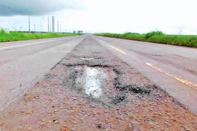 Urgen mantenimiento de la supercarretera