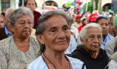 Senadores aprueban eliminar censo de la ley de pensión a adultos mayores