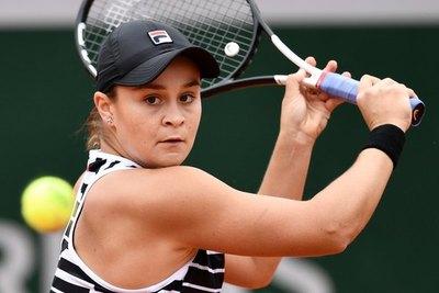 Barty y la revelación Vondrousova jugarán la final en Roland Garros