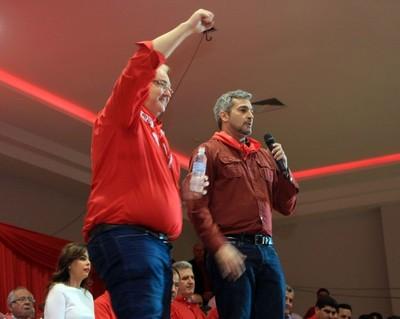 Gobernador del Alto Paraná renuncia al movimiento Colorado Añeteté