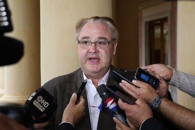 Gobernador de Alto Paraná deja Colorado Añetete