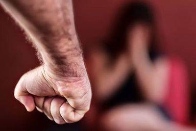 Denuncian brutal agresión contra una transexual