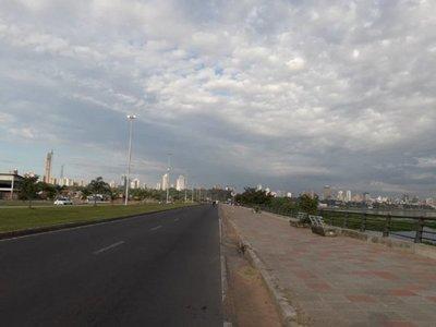 Meteorología anuncia un sábado cálido y con lluvias dispersas
