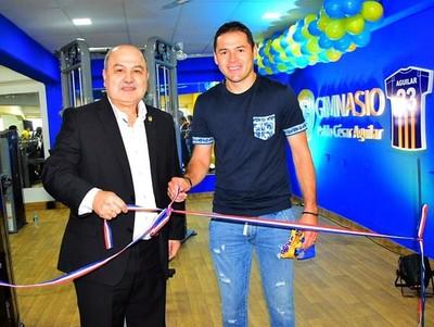 Pablo Aguilar donó un gimnasio al Sportivo Luqueño