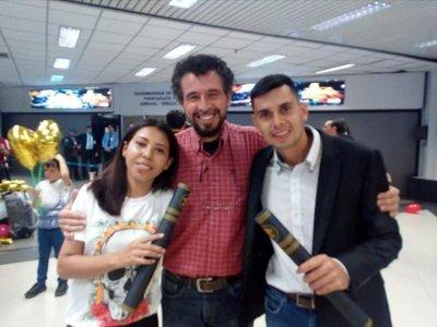 Médicos paraguayos llegaron de Venezuela con ansias de servir en sus comunidades