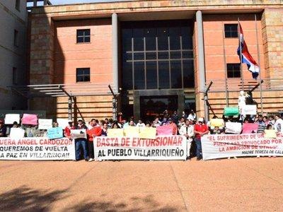 Piden que periodista denunciado por supuesta extorsión siga en prisión