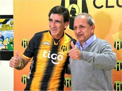 """Costas vuelve para """"competir con los más grandes"""""""