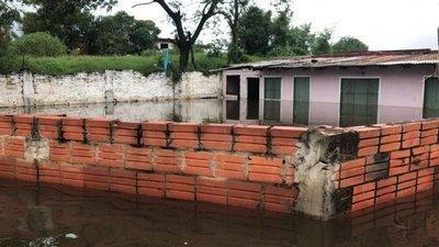 Salvataje no alcanza a inundados de Asunción, afirman