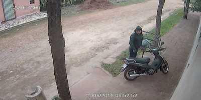 Hurtan moto a plena luz del día en Concepción
