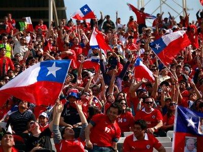 Chilenos confían más en su selección femenina que en la masculina