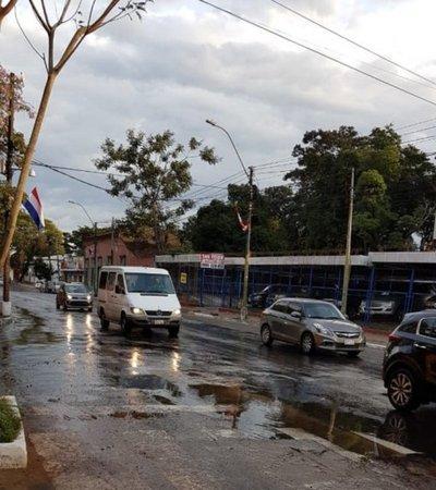 Agua inunda las calles