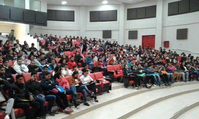 Casi mil personas se acercaron en busca de un empleo a la Escuela de Artes y Oficios