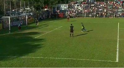 Copa Paraguay: Picó su penal y le salió mal