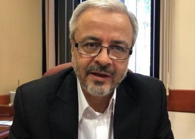 Insólito: diputado le dio un 'pecho ro'o' a un senador en pleno Congreso