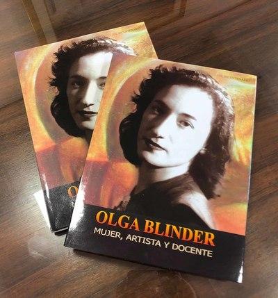 Biblioteca de Olga Blinder pasa al acervo del Centro Cultural El Cabildo