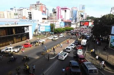 HOY / Manifestaciones en Ciudad del Este: cierre de paso vehicular y comercios