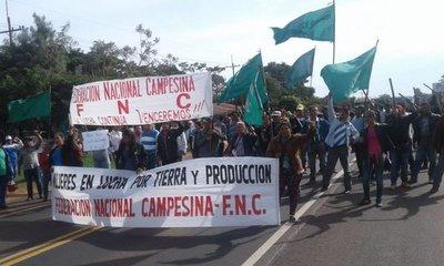 Mandioqueros cierran ruta en San Pedro y Caaguazú