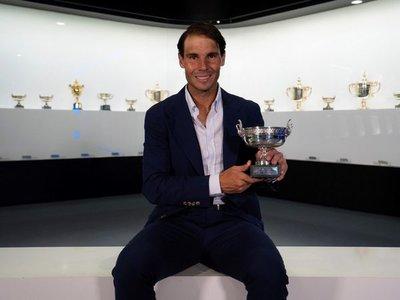 Nadal deposita el 12º Roland Garros en su museo de Manacor