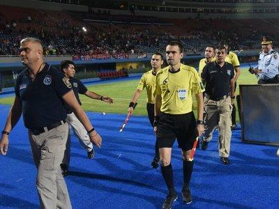 Ya se conoce la sanción a árbitros que validaron gol fantasma en Cerro-San Lorenzo