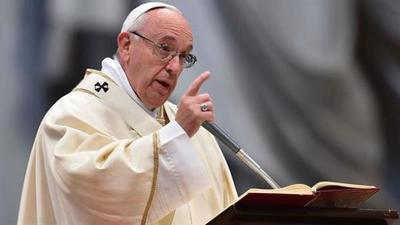 El papa denuncia que los migrantes son utilizados «con fines políticos»