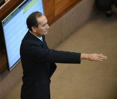 Ayala jura como senador en reemplazo de Amarilla