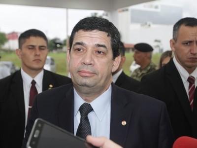 Los senadores y diputados tienen el salario que se merecen, según Hugo Velázquez