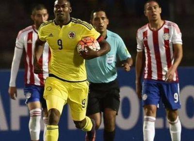 Haro dirigiendo a Paraguay