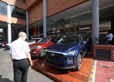 Automotor abrió primer showroom en un shopping