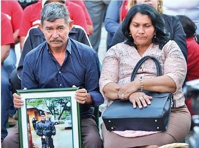 Padres de Edelio demandarán al Estado ante fueros internacionales