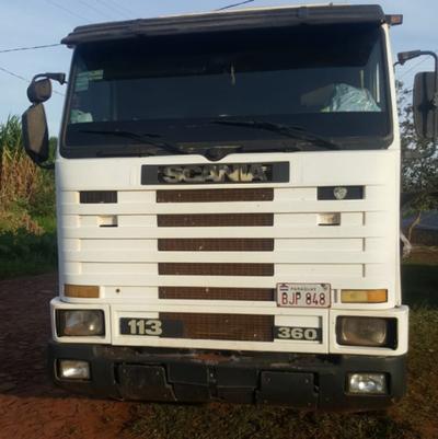 Raptan a camionero y le roban carga de soja