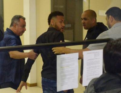 "HOY / Neymar: ""La verdad aparece tarde o temprano"""