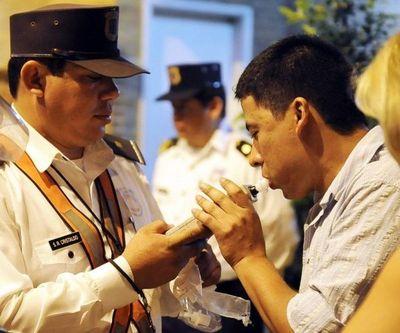 Polémica por compra de alcoholímetros