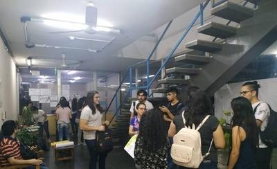HOY / Estudiantes de Filosofía UNA reclaman falta de docentes y tutores