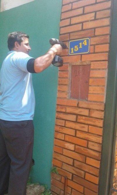 Quejas por enumeración de casas en Luque