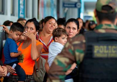 Perú ya exige pasaporte y visado a los venezolanos