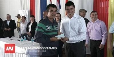 ENTREGARON MÁS DE 100 BECAS UNIVERSITARIAS  A JÓVENES DE EDELIRA.