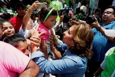 Guatemala elige a sus nuevas autoridades en medio de incertidumbre