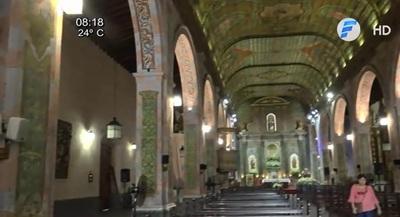 Fieles se manifiestan y exigen restauración de Iglesia de Trinidad