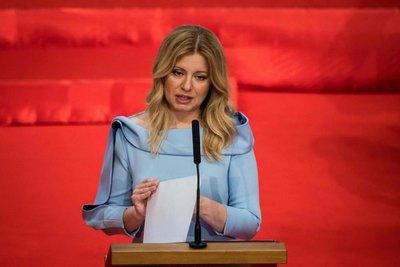 Abogada y ecologista jura como primera presidenta de Eslovaquia