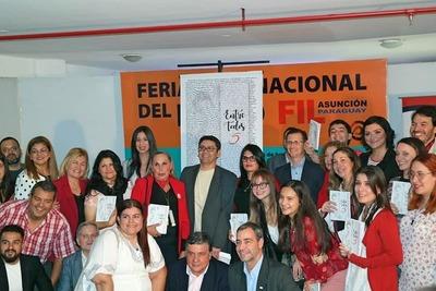 """La quinta edición de """"Entre Todos"""", el libro de más de 40 autores"""