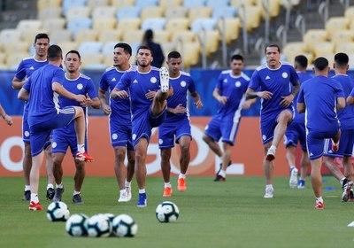 Paraguay reconoce el estadio Maracaná y aguarda el debut