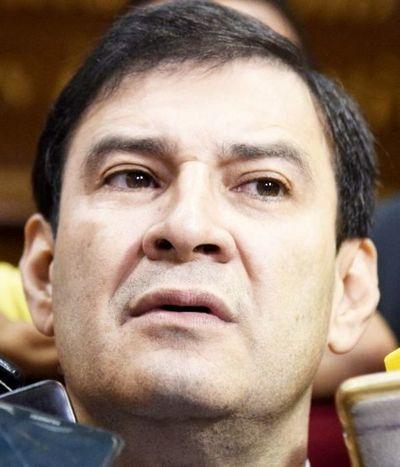 Senador Ovelar cree que Portillo debe ser expulsado por traficar influencias