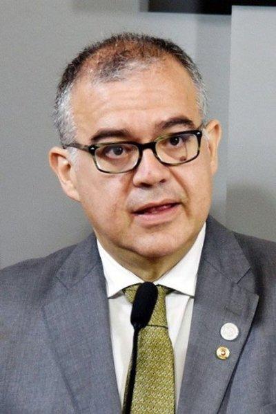 Essap tercerizó trabajos y contrató a empresa vinculada al ministro Ullón