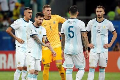 Messi lamenta el debut con derrota pero ve muchas oportunidades de clasificar