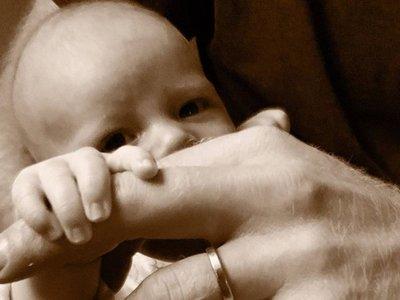 Los duques de Sussex muestran el rostro de su hijo en el Día del Padre
