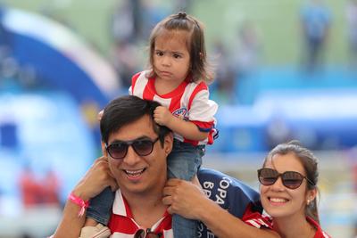 Rio se tiñó de rojo y blanco en el debut de Paraguay en la Copa América 2019